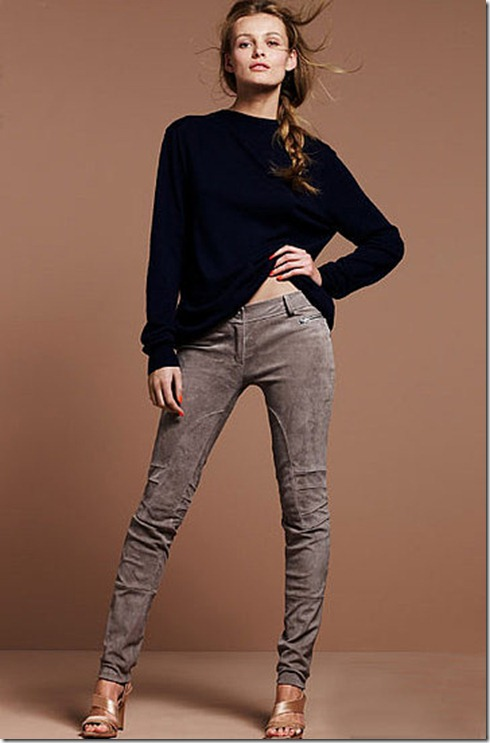 949768b7ca5e8f26_Suede-Pants.preview