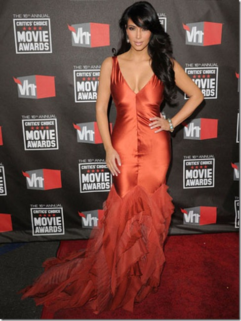 kim-kardashian-critics-choice-vera-wang burnt orange mermaid gown