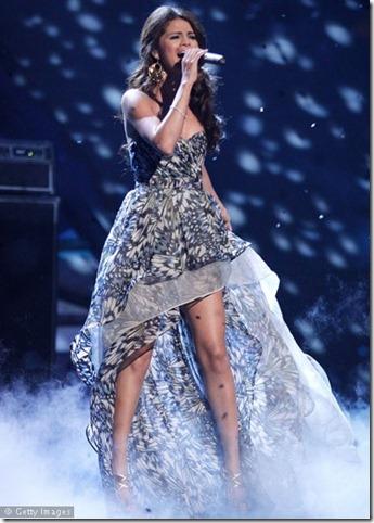 Selena-Gomez-111