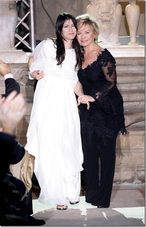 Singer Elisa (L) and designer Alberta Ferretti