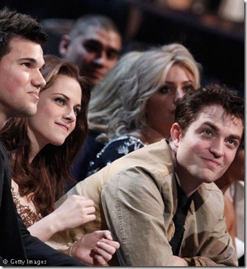 Taylor-Lautner-Kristen-Stewart-and-Robert-Pattinson-111