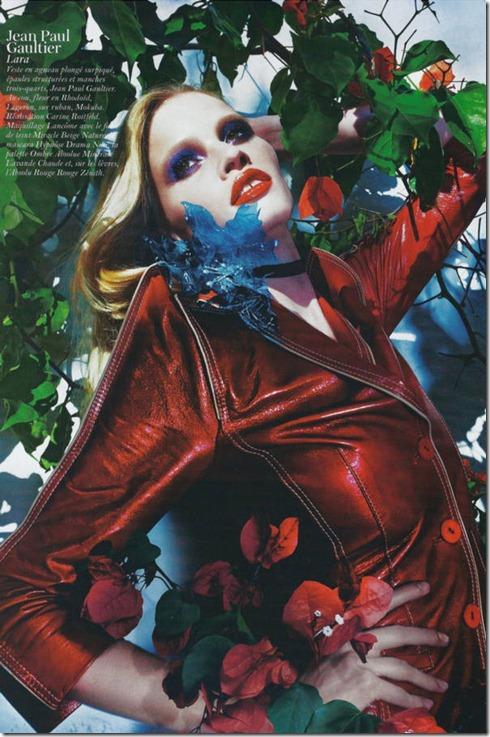 Lara-Stone-Vogue-France-17