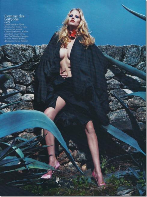 Lara-Stone-Vogue-France-20
