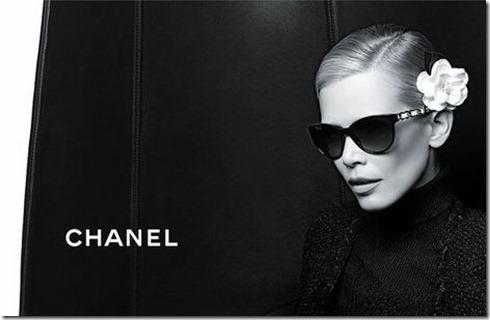 Claudia-Schiffer-Chanel-Eyewear2