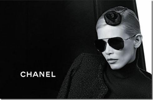 Claudia-Schiffer-Chanel-Eyewear3