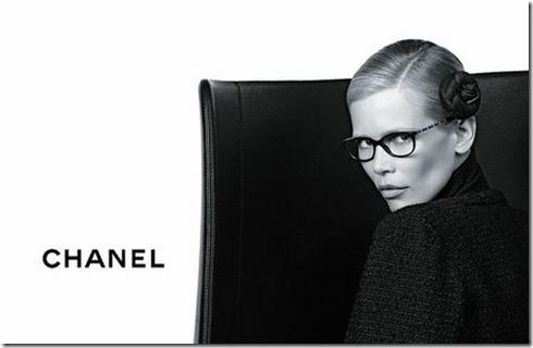 Claudia-Schiffer-Chanel-Eyewear4